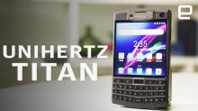 Unihertz Titan Hands-On: Not just a BlackBerry knockoff