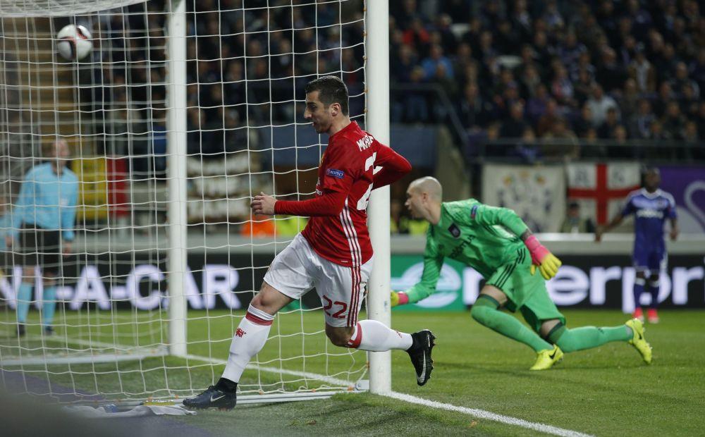 Henrikh Mkhitaryan scores the opener