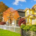 Mortgage rates stay close to record lows, but new fee is nearing