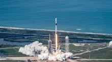 SpaceX Gets Backing For This Controversial Plan, Boosting 'Space Taxi'
