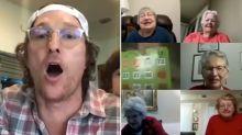 Matthew McConaughey vira narrador de bingo para entreter idosos na quarentena