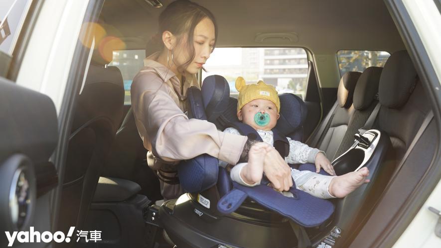 新手爸媽輕鬆上手!育嬰神器Aprica Fladea Grow ISOFIX Premium平躺型安全座椅激推開箱! - 10