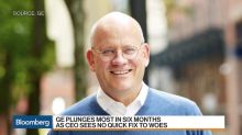 GE Plunges as CEO Flannery Sees No 'Quick Fix'