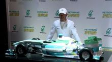 Hamilton ignora 'Paradise Papers' e foca no GP Brasil