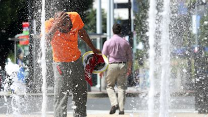 Blistering heat wave spreads across U.S.