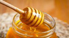 """""""Il miele può curare tosse e raffreddore meglio rispetto agli antibiotici"""": i risultati di uno studio"""