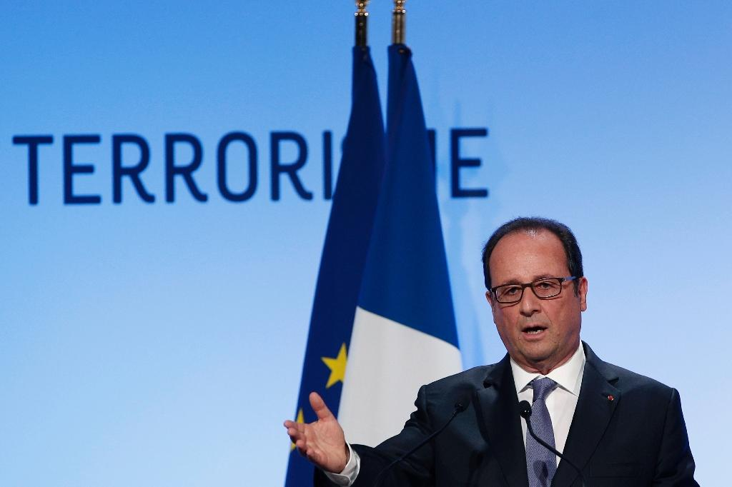 French President Francois Hollande delivers a speech about democracy and terrorism on September 8, 2016 in Paris (AFP Photo/Christophe Ena)