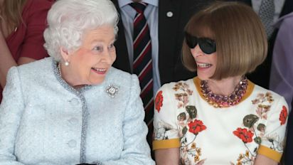 Should Anna Wintour have removed her sunglasses to meet the Queen?