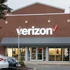 Verizon Earnings Top Views, Telecom Lifts Full-Year Profit Outlook