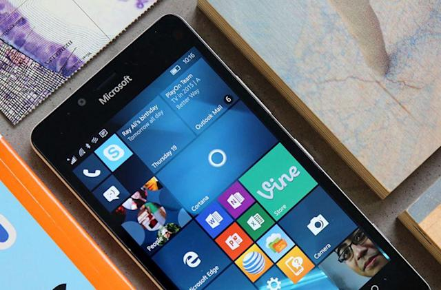 Microsoft delays Windows 10 Mobile upgrade for older Lumias