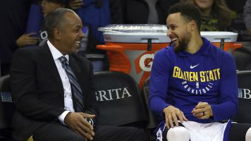 Curry 'for sure' wants to end career with Dubs