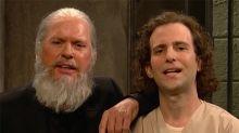 SNL: Michael Keaton Plays a Menacing Julian Assange in Cold Open — Watch