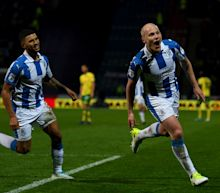 Aaron Mooy central to Huddersfield Town's Premier League push