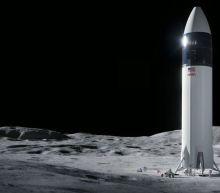 Nasa chooses SpaceX to build Moon lander