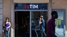 Telecom Italia Said to Be Near Picking KKR for Fiber Deal