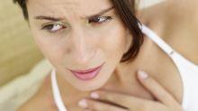 ¿Te duele la garganta al tragar? Se llama'odinofagia' y te pasa por esto