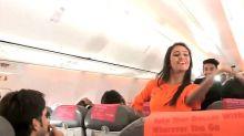 印度空姐熱舞 彩色節空中慶典