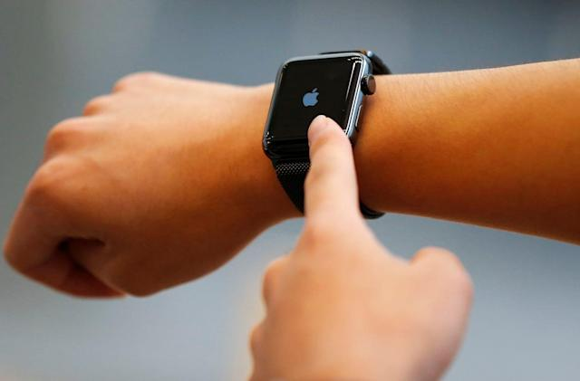 Apple Watch will dim its bright lights in Theater Mode