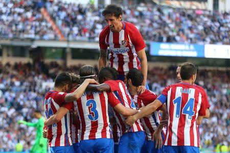 El Leicester del cuento de hadas desafiará al correoso Atlético