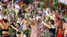 Australia Day 2020: Raging bushfires take centrestage as thousands pay tribute to firefighters at parade