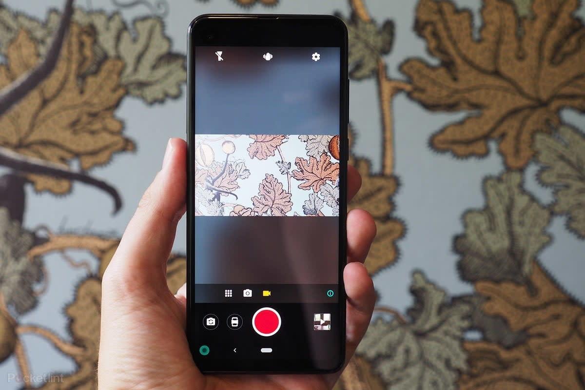 Digital Trends Live: Motorola's anti-vertical video phone, UPS goes driverless