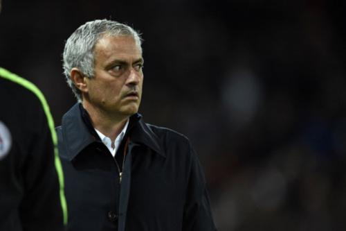 Mourinho defende Pogba das críticas e ataca ex-jogadores de futebol