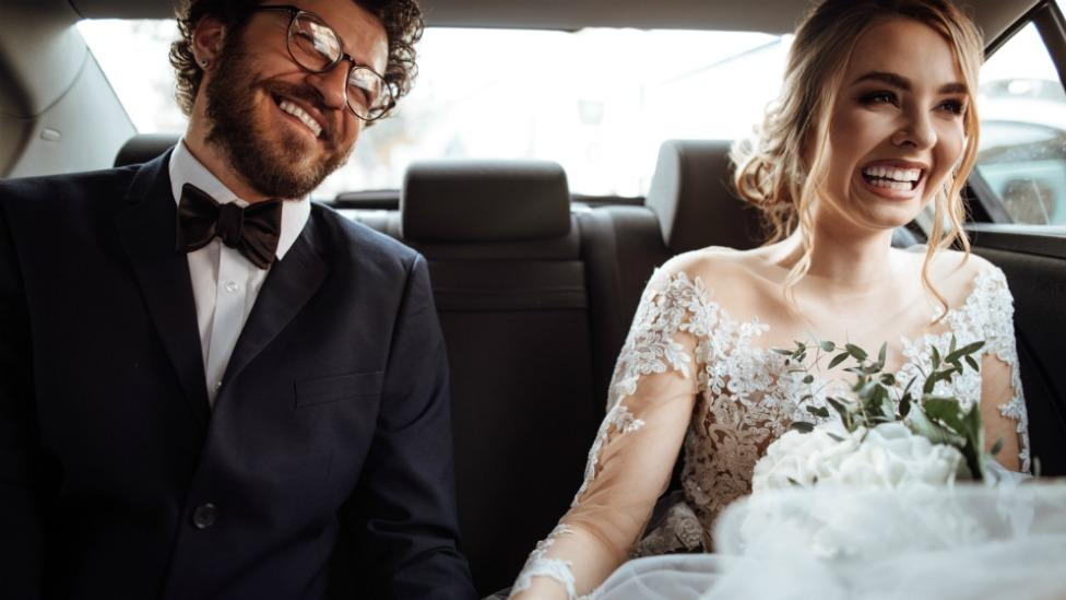 Bride threatens to call off wedding because best man has a unibrow
