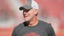 WATCH: Brett Favre shows up at Tom Brady's first Bucs home game in fitting attire