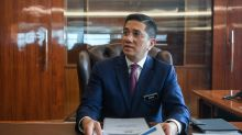 Azmin: Putrajaya has database to quickly deliver assistance for B40, SMEs but not much data on M40