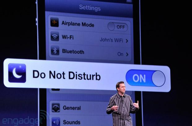 Apple executive shakeup: Scott Forstall and John Browett are leaving the company
