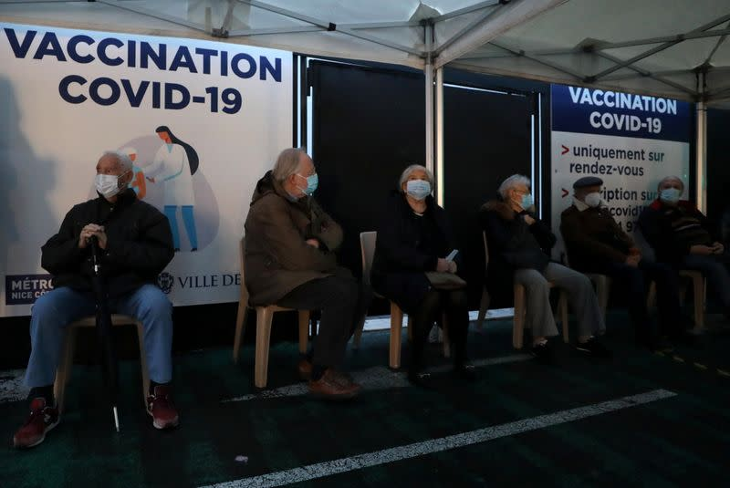 Coronavirus: La France franchit le cap du million de vaccinations