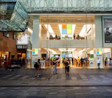 Why Did Microsoft's Retail Stores Die as Apple Stores Thrived?