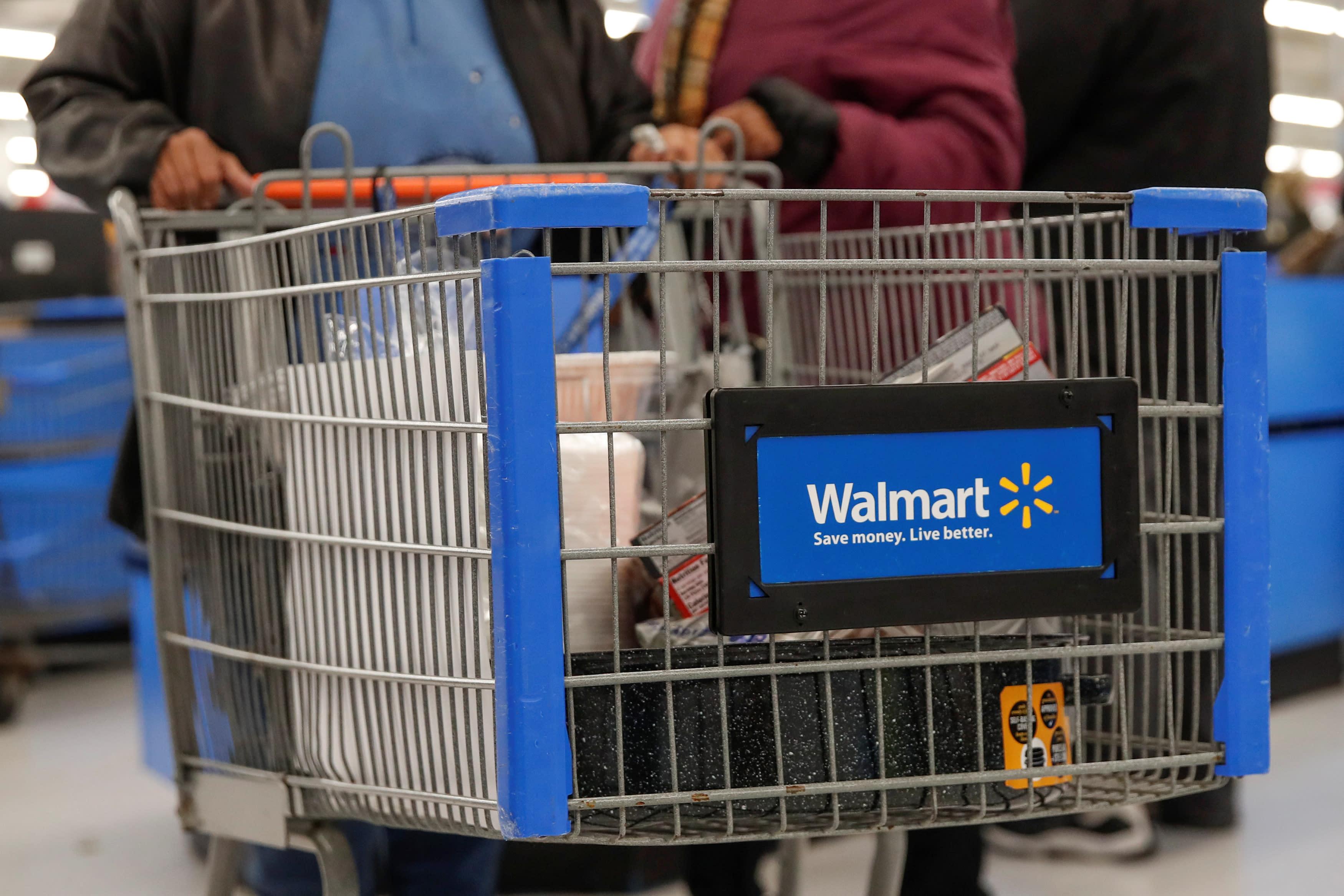 Walmart to hire 150,000 people amid coronavirus, to give $550 million in cash bonuses