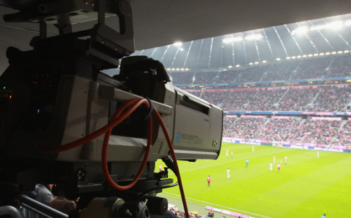 Mondiali di calcio in tv, chi li trasmetterà? Mediaset scatta sulla RAI