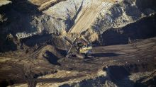 Canada Oil Supply to Stay Tight With Syncrude Down for Weeks