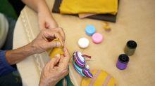 Faça você mesmo: conheça formas e benefícios da arteterapia, prática que caiu no gosto dos homens