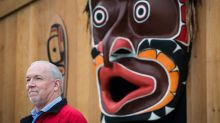 B.C. premier apologizes for removal of 1950s totem pole at Canada-U.S. border