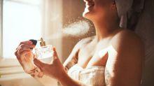 Faire tenir son parfum : l'astuce imparable(et simplissime)pour profiter de son parfum toute la journée