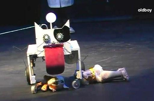 Bacarobo 'stupid robot' contest is back, and it's hilarious (video)