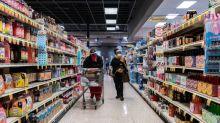 RESUMEN-Confianza del consumidor de EEUU repunta, aunque persisten los riesgos para la economía