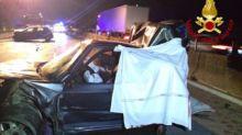 Scontro tra tre auto: due vittime e sette persone ferite