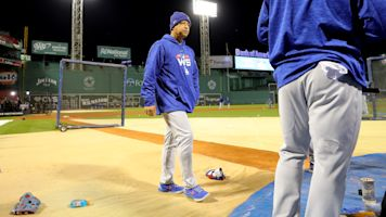 Dave Roberts had to learn to embrace his Red Sox 'hero' status