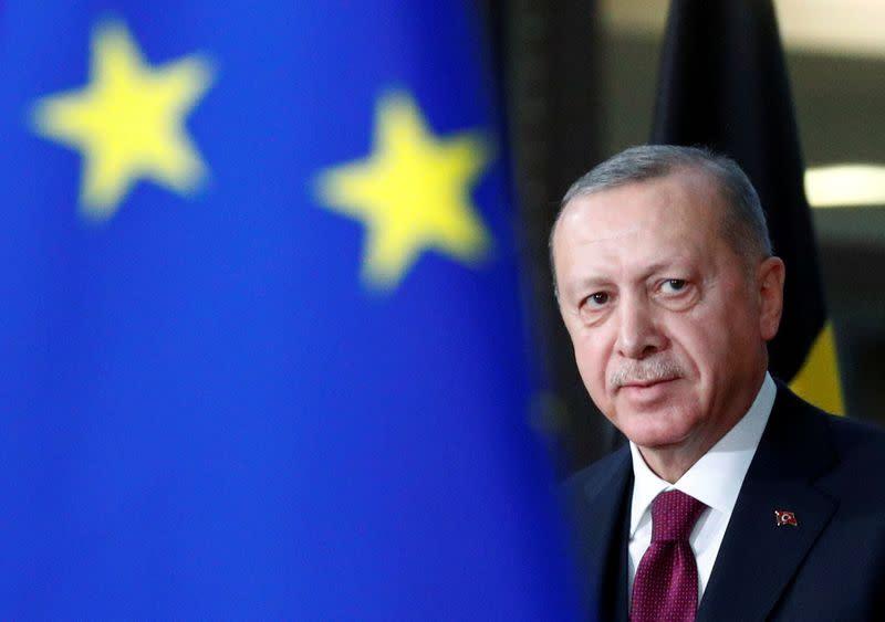 埃尔多安说土耳其撤回了调查船以允许外交