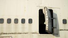 ¿Qué hizo mal el piloto para que los pasajeros evacuaran por las salidas de emergencia?