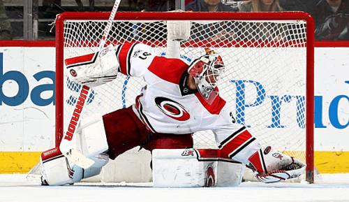 NHL: Nach Horror-Zusammenstoß: Entwarnung bei Hurricanes' Lack