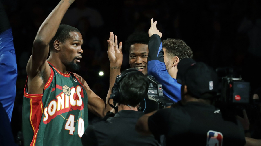 Just like old times  Durant thrills Seattle crowd 2437dabe5