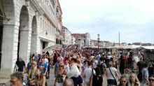 Turisti cinesi insultati e presi a sputi a Venezia