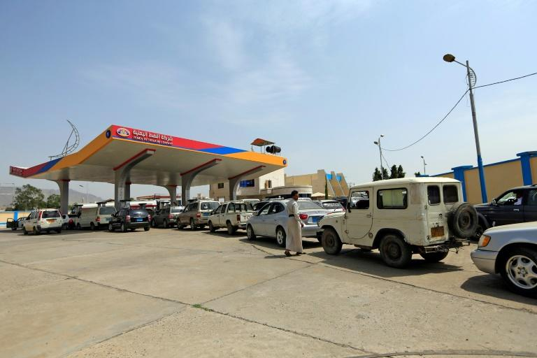 Fuel shortages have caused long queues at the pumps in the rebel-control Yemeni capital of Sanaa (AFP Photo/Mohammed HUWAIS)