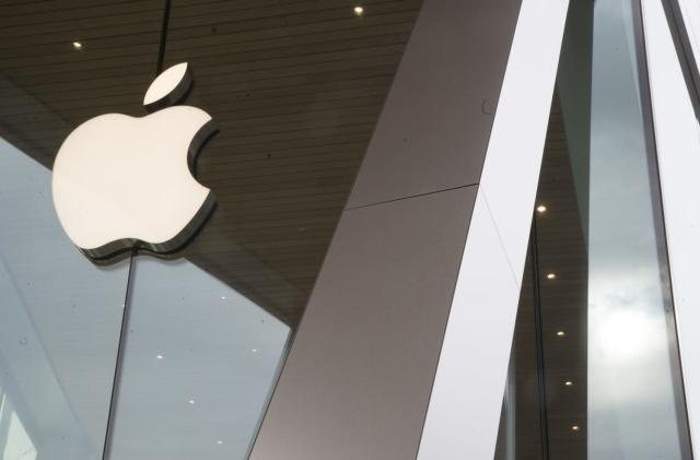 Apple says Spotify wants 'the benefits of a free app without being free'