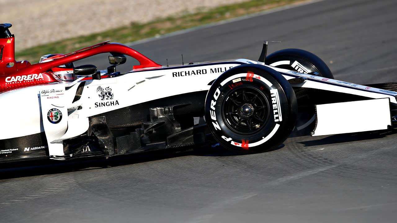 Kimi Raikkonen crashes new car 20 minutes into testing